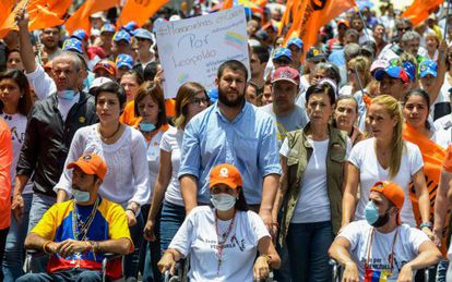 Protesto na Venezuela pede libertação de presos políticos.