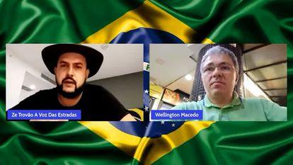 O caminhoneiro Zé Trovão e o jornalista Wellington Macedo, durante transmissão no YouTube no dia 29 de agosto. Eles haviam sido proibidos de usar as redes.