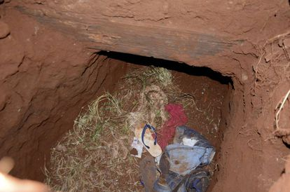 O túnel usado pelos presos do PCC para fugir do presídio Pedro Juan Caballero, no Paraguai.