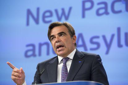 O vice-presidente da Comissão Europeia, Margaritis Schinas, durante a coletiva de imprensa de apresentação da proposta de pacto migratório.