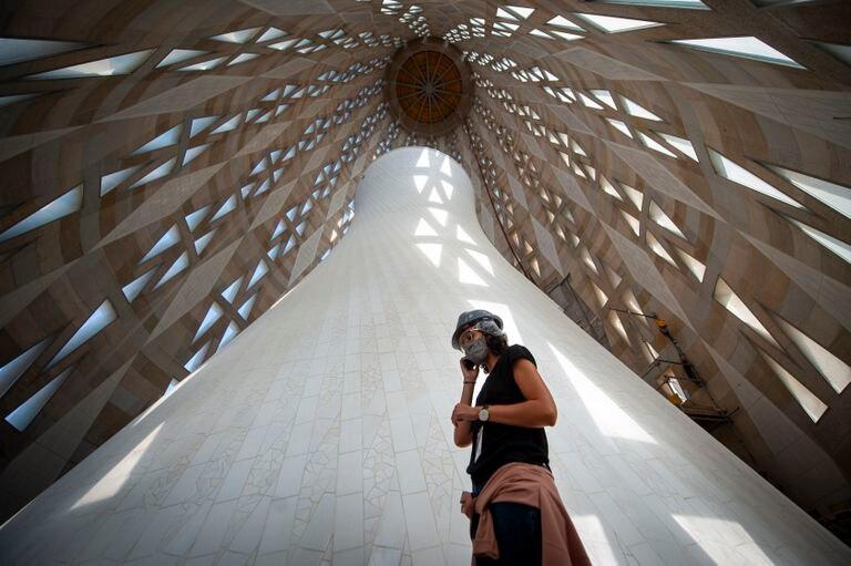 Interior da torre de Maria da Sagrada Família que vai ser finalizada em 2021 e terá 138 metros de altura.