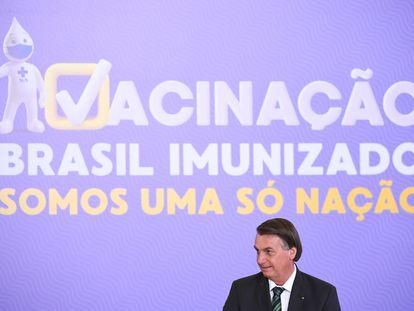 O presidente Jair Bolsonaro durante cerimônia de apresentação do programa de vacinação, na quarta.
