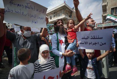 Protesto contra Bashar al-Assad, em setembro passado, na rebelde cidade de Idlib, na Síria.