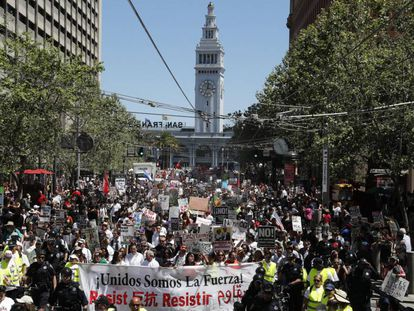 Manifestação do Primeiro de Maio no centro de San Francisco.