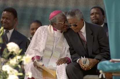 O arcebispo Desmond Tutu e Nelson Mandela, em 1994