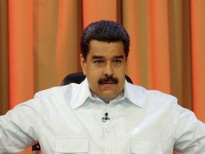 O chavismo reage ao anúncio da OEA de ativar a Carta Democrática desafiando a oposição, enquanto apresenta uma denúncia contra o parlamento