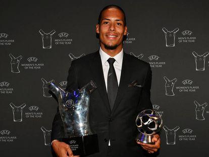 Van Dijk foi eleito melhor defensor e melhor jogador da temporada europeia.