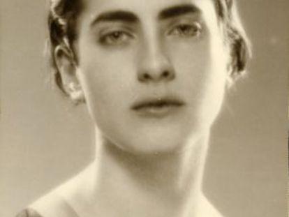A escultora e pintora espanhola Marga Gil Roësset, em 1932.
