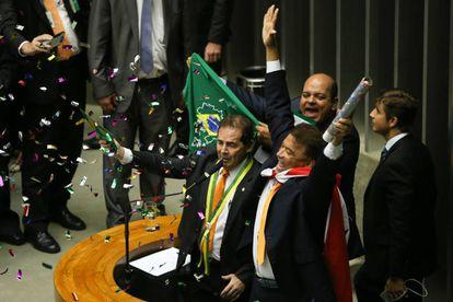 Paulinho da Força e Wladimir Costa durante votação