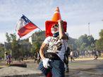Santiago de Chile se ha convertido en el campo de batalla de las protestas estudiantiles contra el Gobierno y las políticas neoliberales del otoño pasado.