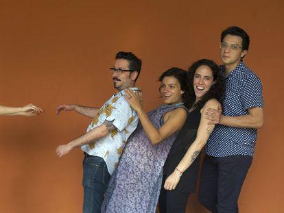 De esquerda para a direita, os escritores colombianos Álvaro Robledo, Melba Escobar, Amalia Andrade e Andrés Felipe Solano.