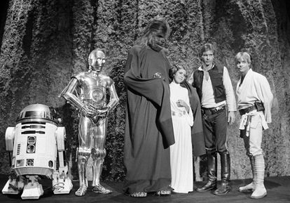 Carrie Fisher com o elenco de 'Star Wars' em 1978.