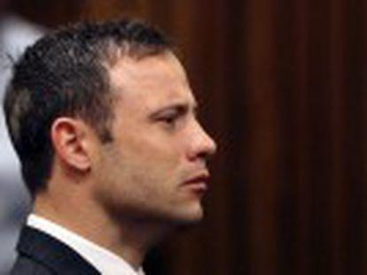 A juíza descarta que o atleta tenha matado Reeva Steenkamp de forma intencional, mas ele pode pegar até 15 anos de prisão