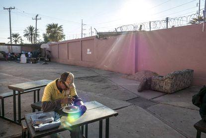 José Suazo, de 55 anos, em um dos albergues para os imigrantes em Mexicali.