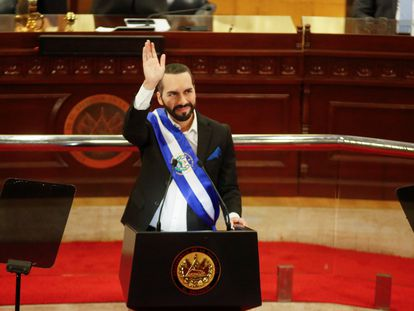 O presidente de El Salvador, Nayib Bukele, na noite de terça-feira na Assembleia.