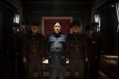 Randall Park como o líder norte-coreano Kim Jong-un em 'A Entrevista'.