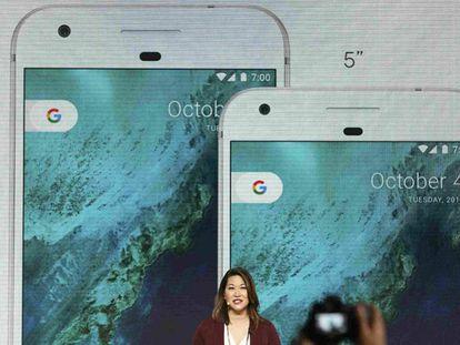 Sabrina Ellis apresenta o novo telefone celular do Google, o Pixel