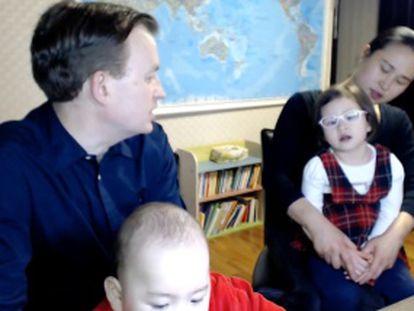 O professor do viral da BBC dá a primeira entrevista com o resto da família