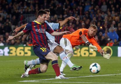 Messi supera Yoel no 2 a 0.