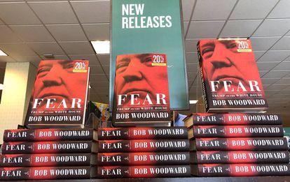 O livro 'Medo: Trump na Casa Branca', do jornalista Bob Woodward, exposto na livraria Barnes and Noble de Corte Madera na Califórnia.
