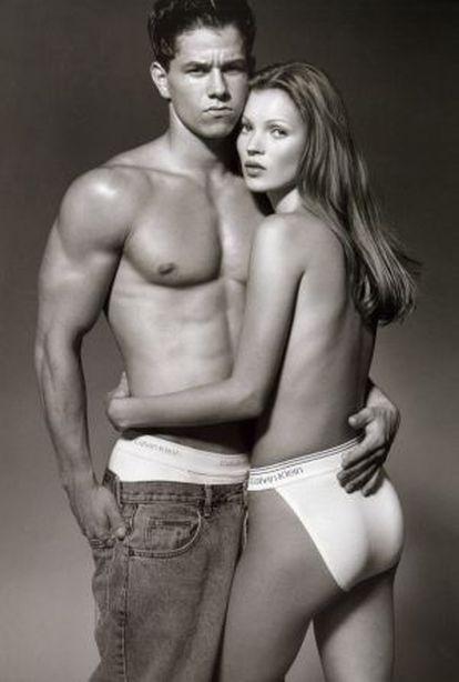 Mark Wahlberg e Kate Moss, na campanha de 1992 da Calvin Klein fotografada por Herb Ritts.