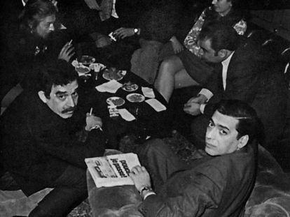 Gabo e Vargas Llosa, no prêmio Biblioteca Breve de 1970.