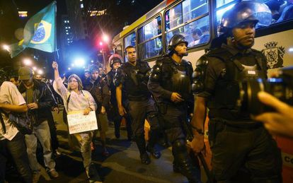 Protesto contra a Copa no Rio.