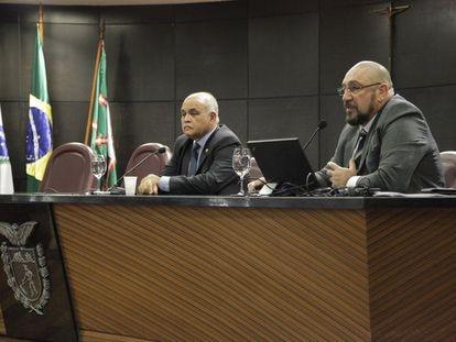 À direita, o procurador Januário Paludo, da Operação Lava Jato no Paraná