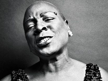 Sharon Jones, em uma imagem de 2014.