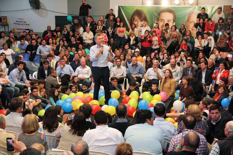 O presidente Mauricio Macri fala durante evento de campanha em Santa Rosa, capital da província de La Pampa.