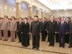 O líder norte-coreano, Kim Jong-un, na quinta-feira, em Pyongyang, durante cerimônia em homenagem ao terceiro aniversário de morte de seu pai.