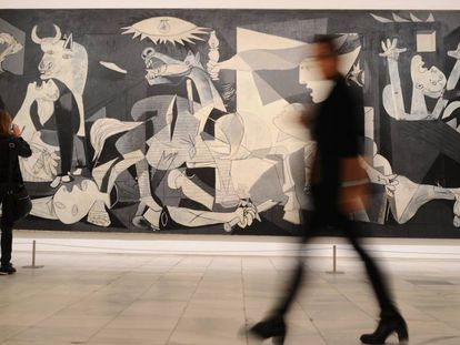 A obra 'Guernica', de Pablo Picasso, durante a apresentação da exposição 'Piedade e Terror em Picasso: o Caminho até Guernica', nesta segunda-feira, em Madri.