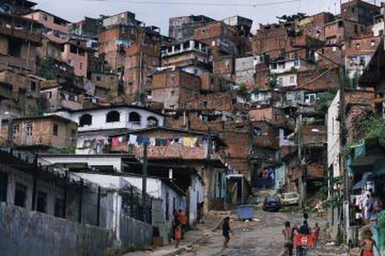 Favela na periferia de Salvador, Bahia.