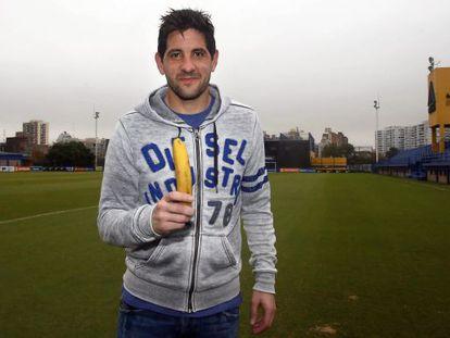O goleiro do Boca Juniors, Agustín Orión, na campanha de apoio a Alves.