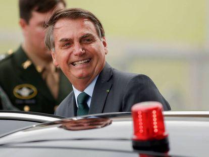 O presidente Bolsonaro na semana passada sai de sua residência em Brasília.