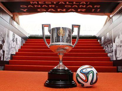 A taça da Copa do Rei, em Valência.