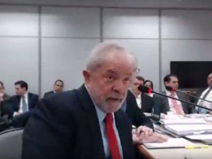 Lula durante o depoimento.