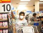 Habitantes de la Ciudad de México realizan compras masivas de productos de limpieza y víveres no perecederos, en algunos supermercados. El gobierno mexicano ha confirmado este martes 82 casos positivos  de coronavirus en los estados de Nuevo León, Edomex, Querétaro y Ciudad de México son los más afectados.20 de febrero del 2020, Ciudad de México, México.