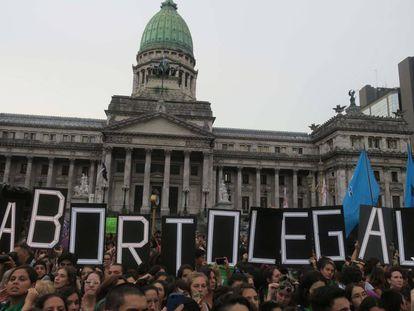 Manifestação pela legalização do aborto em Buenos Aires, no último dia 19.