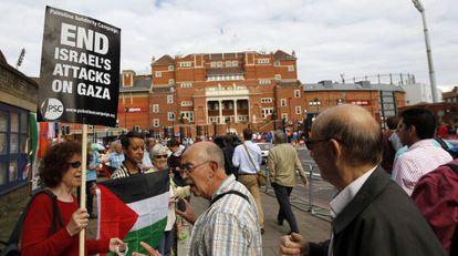 Protesto contra a ofensiva israelense em Gaza, hoje em Londres.