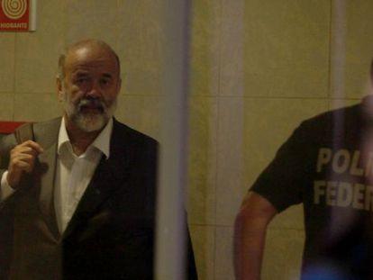 O tesoureiro do PT, João Vaccari Neto, chega à Superintendência da PF em São Paulo nesta quinta-feira.