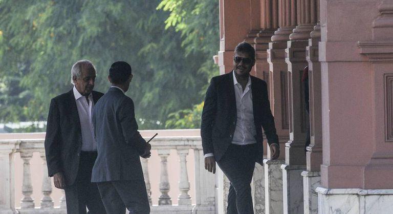 Marcelo Tinelli e Rodolfo D'Onofrio entrando na Casa Rosada.