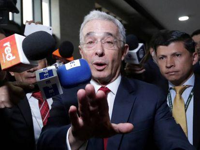 Álvaro Uribe chega à sede da Corte Suprema, em outubro de 2019.