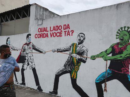 Por que não abandonar Bolsonaro para que se divirta apenas com seus brinquedos de morte?