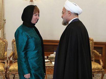 Rohani recebe Ashton, em foto divulgada pela presidência.