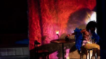 Espaço Daspu na ópera 'María de Buenos Aires', no Theatro Municipal de São Paulo.