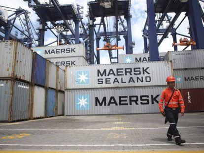 Contêineres de carga no porto de Lázaro Cárdenas (Michoacán, México).