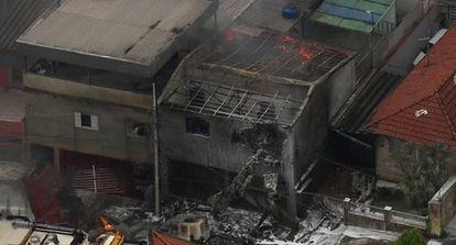 Área atingida pela queda da aeronave em São Paulo.