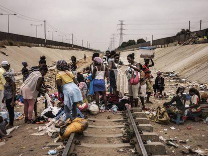 Vendedores ambulantes angolanos