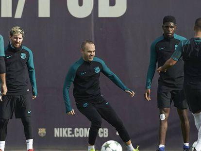 Preparação dos jogadores do Barça antes do jogo.